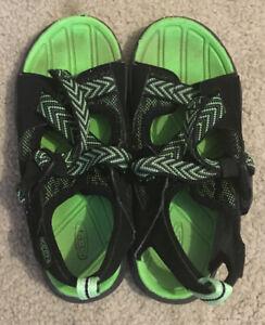 Keen Black/ Green Open Toe Adjustable Strap Sandal Size 1 Water Beach