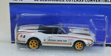 Hot Wheels 2015 Heritage Real Riders '68 Oldsmobile Cutlass Convertible #16/18