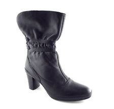 CLARKS ARTISAN Size 9 Black Leather Ankle Scrunch Boots