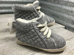 Gap Crib Shoe Quilted Unisex Grey High Top Lace Up Shearling Size 18-24 months