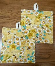 New listing Potholders set of Two Daisies and Bees
