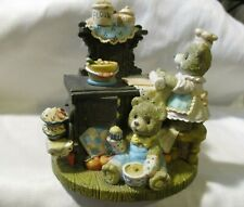 """SAN FRANCISCO MUSIC BOX Mama Bear & Son Baking Pies Tune is """"Whistle While Work"""""""