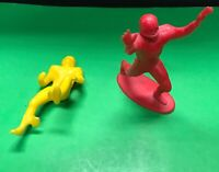 Marx Vintage Yellow and Red Football Players MARX on stand Action figures 1960's