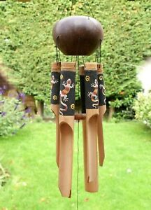 Large Coconut and Bamboo Wind Chime Hanging Outdoor Garden Decor Iguana 50cm