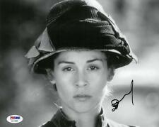 Embeth Davidtz Signed Authentic Autographed 8x10 B/W Photo PSA/DNA #AC11936