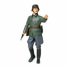 TAMIYA 36313 German Field Commander 1:16 Military Model Kit Figures