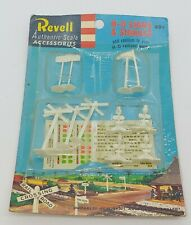 Old HO Revell H-O Signs & Signals Train Accessory / Packaged 1950s