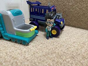 PJ Masks Vehicle Bundle - Romeo's Lab and Night Ninja's Bus + Figure