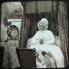 VICTORIAN Glass Magic Lantern Slide LADY IN BED C1890 PHOTO PEOPLE