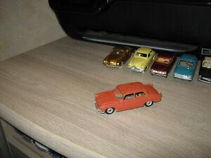 dinky toys France Peugeot 404 junior
