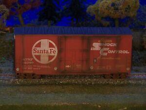 Athearn Santa Fe, ATSF,  40' High cube plug dr boxcar
