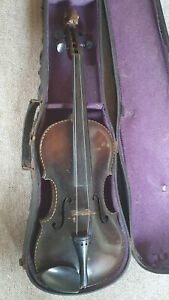 Beautiful old German Stainer violin w. a lions head and interesting purfling