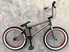 Biciclette blu BMX