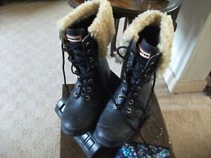 PAIR OF LADIES HUNTERS CALF LENGTH BLACK WELLIES WITH FUR TRIM SIZE 6