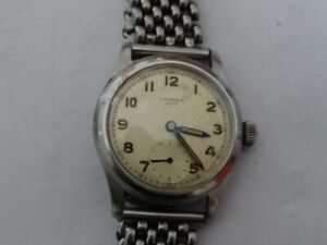 Very Fine Vintage Universal Geneve 15 Jewels cal.262 Military  Watch