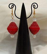 ORECCHINI pendenti ROSSO CARTONCINO ONDULATO monachelle color oro e cristalli