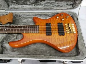 Schecter Elite-5 -Diamond Series 5 Strings Bass with Road Runner Hard Case.