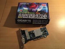 Carte graphique PC fanless GigaByte Radeon 9250