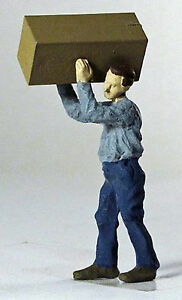WORKER CARRYING BOX O On30 1:48 Model Railroad or Diorama Painted Figure FRA1324