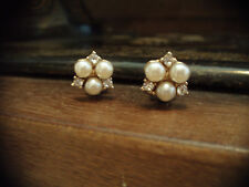 VintageJewellery Pearl and Crystal Cluster Clip-on Earrings. Gold Plated