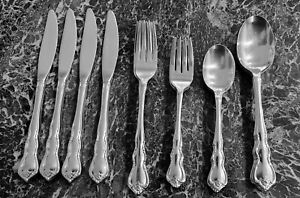 (4) 5pc PLACE SETTINGS Wallace Discretion STAINLESS FLATWARE 20 PIECES