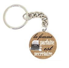Porte clé badge LA FEMME PARFAITE EST SECRÉTAIRE idée cadeaux personnalisé