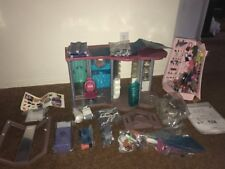 Barbie Fashion Show Mall Play Set Music Lights Furniture Racks Lots Accessories