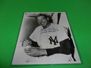 VINTAGE JOE DIMAGGIO  NEW YORK YANKEES AUTOGRAPHED 8X10 PHOTO, Best Wishes Inscr