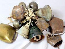 Rare lot ou ensemble d'une collection de 15 petites cloches 17 / 18 ème