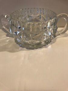 Anchor Hocking lead crystal bowl handles star pattern on base, 1950 USA Glass