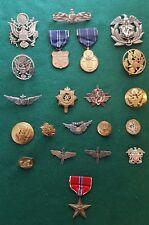 WW2 LOT US MILITARY PINS, HAT BADGES, MEDALS, BRONZE STAR, WW11