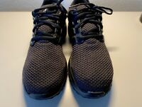 Adidas Mens 9 Running Shoe  Cloudfoam/ Orthalite Black/Black.