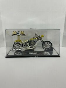 Von Dutch Dragnut Chopper Motorcycle In Display Case 1:18 Yellow Silver Jada F4