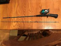 VINTAGE GRAPHITE SOUTH BEND FISHING PAL FISHING ROD & REEL MODEL # OL-130MG-A !