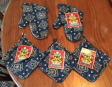 New listing Vintage 1970s New Set Of 13� Blue Paisley Bbq Oven Mitt Pair & Potholders Nwt
