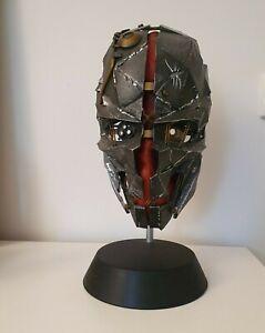 Dishonored 2 Corvo's Mask Statue