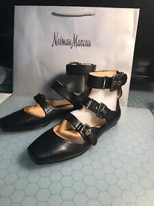 BOUTIQUE 9 BTCHATTY Black Leather 3 Buckle Design Gladiator Sandals Sz 10 NIB