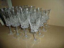 service 16 VERRES en cristal de BAYEL , 4 flûtes 4 eau 4 vin rouge 4 vin blanc