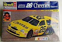 Johnny Benson #26 Cheerios Ford Taurus 1:24 Revell Monogram Model Kit