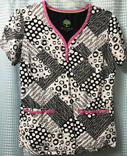 Healing Hands Scrub Top Size Small Modern fit Circles & Squares Black White Pink