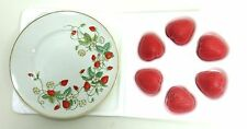 Avon Collectors Plate Strawberry & 6 Strawberry Guest Soaps with Original Box