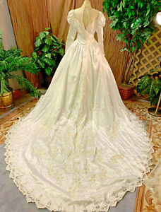 BEADED LONG SLEEVE WHITE SATIN WEDDING DRESS PEARLS RENAISSANCE FAIR MED VEIL