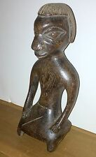 YORUBA PEOPLE OLD CARVED WOOD STATUE OF KNEELING FIGURE - FROM NIGERIA