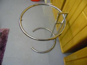 ClassiCon E1027 Adjustable Table Eileen Gray verchromt Klarglas Beistelltisch