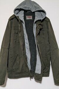 Levi's Men's Sherpa Lined Military Jacket  Hooded Olive Green Large.