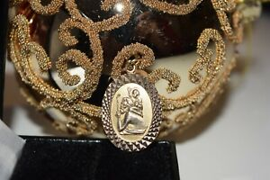 9ct Yellow Gold St Christopher With Patterned Edges