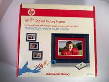 "HP DF780B2 7"" Black Wood Digital Picture Frame 2GB Memory w/ Remote - Open Box"