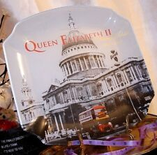 Frosted Glass Commemorative Tray / Large Dish / Plate of HRH Queen Elizabeth II