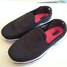 8f74a14a2bf Skechers Zapatos 10 Gowalk ir pilares gogamat ligero Tire de confort 1 T