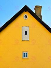 PHOTOGRAPH  OLD HOUSE YELLOW GABLE WINDOW DOOR PRINT POSTER MP3413A